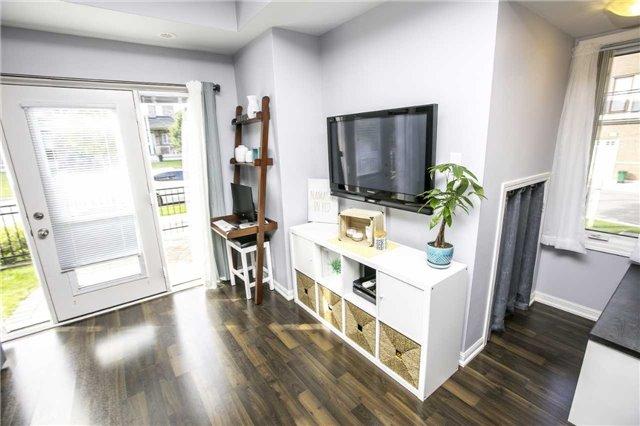 Condo Townhouse at 147 Lewis Honey Dr, Aurora, Ontario. Image 12