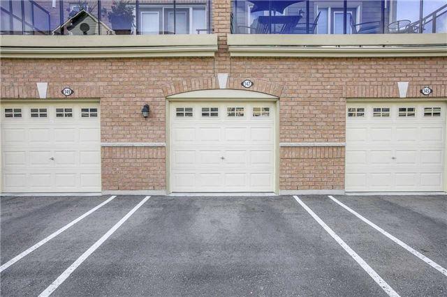 Condo Townhouse at 147 Lewis Honey Dr, Aurora, Ontario. Image 7
