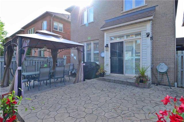 Link at 57 Waldron Cres, Richmond Hill, Ontario. Image 10