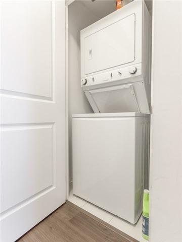 Condo Apartment at 55 Oneida Cres, Unit 510, Richmond Hill, Ontario. Image 16