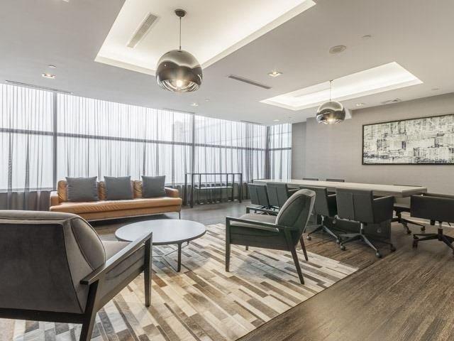 Condo Apartment at 55 Oneida Cres, Unit 510, Richmond Hill, Ontario. Image 9
