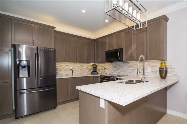 Detached at 717 Prest Way, Newmarket, Ontario. Image 18