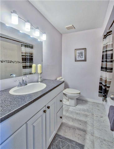 Townhouse at 12 Agincourt Rd, Vaughan, Ontario. Image 2
