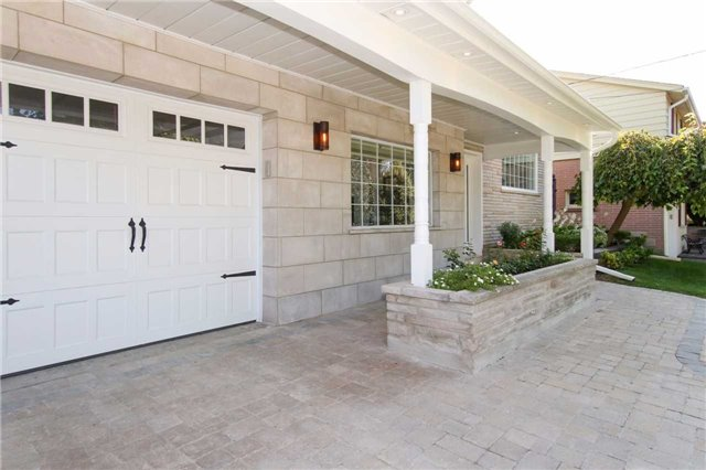 Detached at 139 Libby Blvd, Richmond Hill, Ontario. Image 12