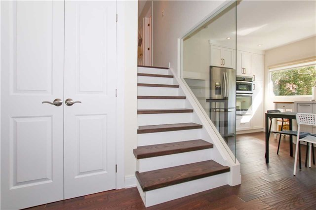Detached at 139 Libby Blvd, Richmond Hill, Ontario. Image 3