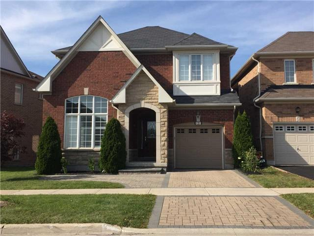 Detached at 121 Maroon Dr, Richmond Hill, Ontario. Image 1