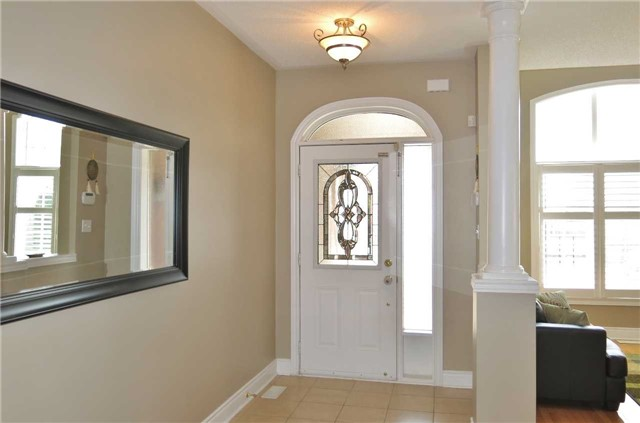 Detached at 121 Maroon Dr, Richmond Hill, Ontario. Image 12