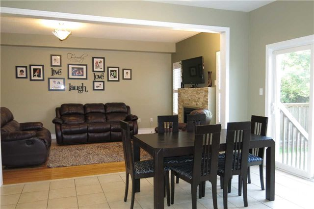 Detached at 121 Maroon Dr, Richmond Hill, Ontario. Image 18