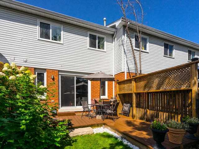 Townhouse at 82 Potter Cres, New Tecumseth, Ontario. Image 9