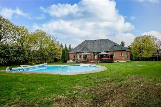 Detached at 1076 Vice Regent Pl, Newmarket, Ontario. Image 9