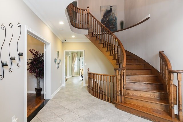 Detached at 51 Chantilly Cres, Richmond Hill, Ontario. Image 15