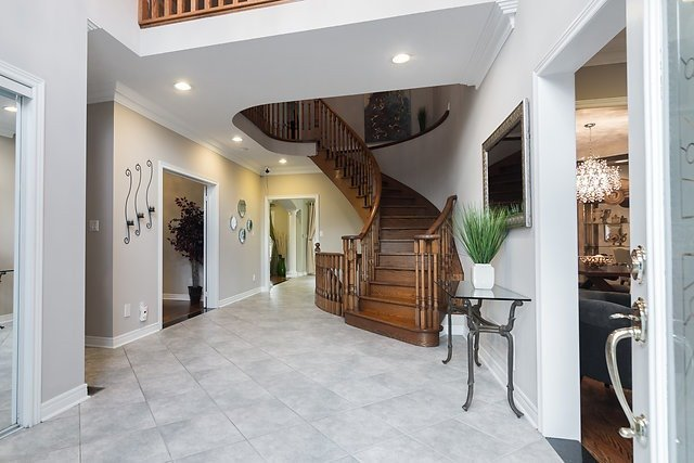 Detached at 51 Chantilly Cres, Richmond Hill, Ontario. Image 16