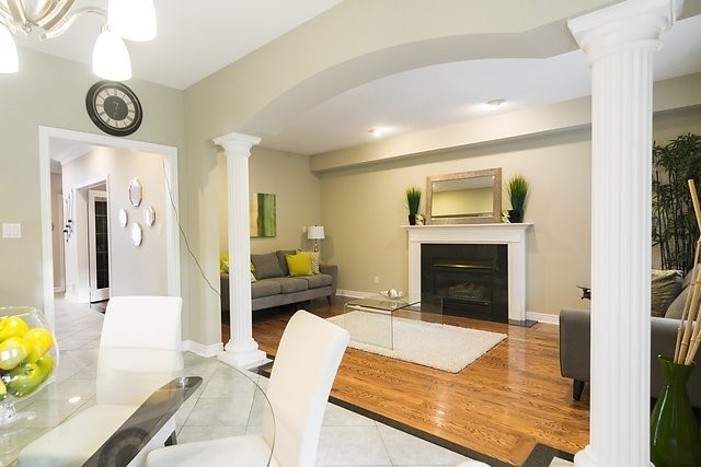 Detached at 51 Chantilly Cres, Richmond Hill, Ontario. Image 5