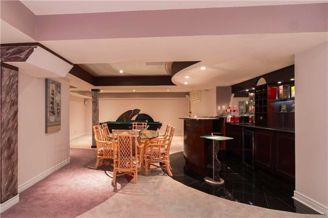 Detached at 51 Chantilly Cres, Richmond Hill, Ontario. Image 13