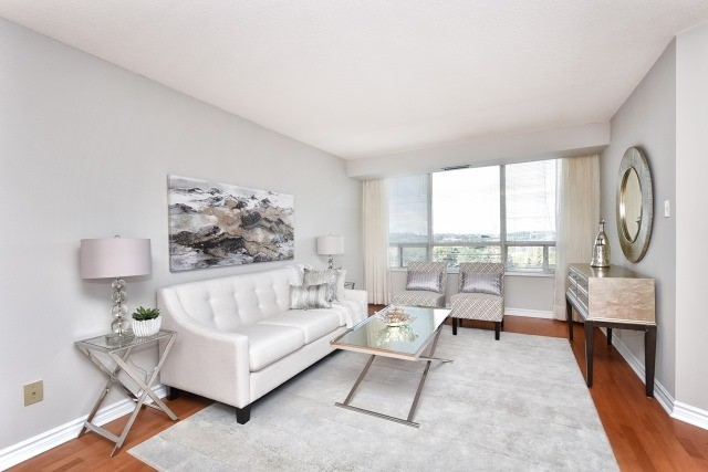 Condo Apartment at 8501 Bayview Ave, Unit 714, Richmond Hill, Ontario. Image 14