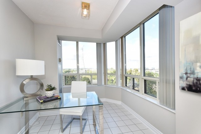 Condo Apartment at 8501 Bayview Ave, Unit 714, Richmond Hill, Ontario. Image 16