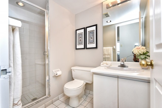 Condo Apartment at 8501 Bayview Ave, Unit 714, Richmond Hill, Ontario. Image 18