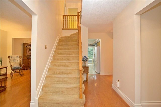 Detached at 498 London Rd, Newmarket, Ontario. Image 12
