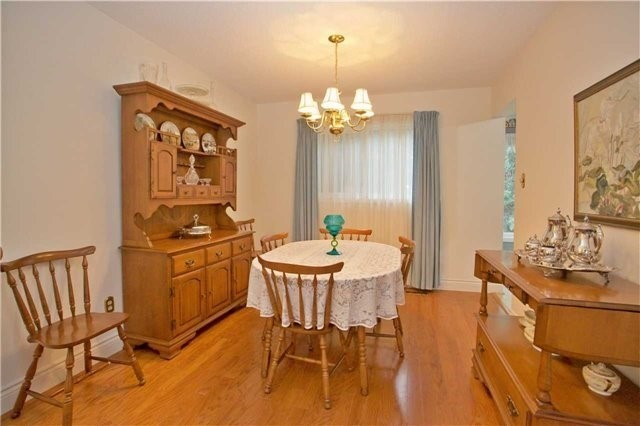 Detached at 498 London Rd, Newmarket, Ontario. Image 15