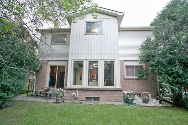 Detached at 498 London Rd, Newmarket, Ontario. Image 11