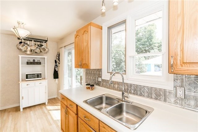 Detached at 7 Brown St, New Tecumseth, Ontario. Image 3
