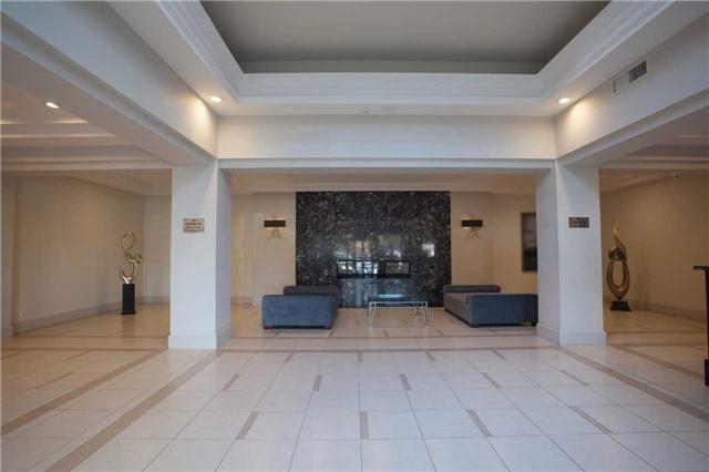 Condo Apartment at 50 Disera Dr, Unit 1403, Vaughan, Ontario. Image 11