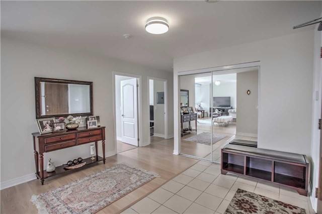 Condo Apartment at 50 Disera Dr, Unit 1403, Vaughan, Ontario. Image 14