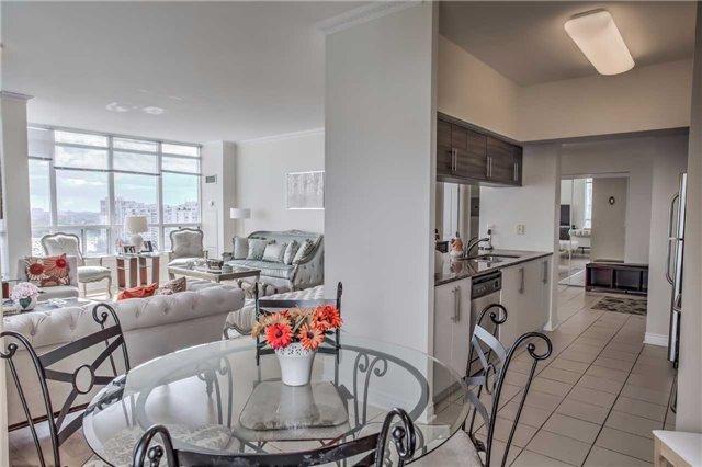 Condo Apartment at 50 Disera Dr, Unit 1403, Vaughan, Ontario. Image 2