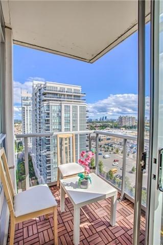 Condo Apartment at 50 Disera Dr, Unit 1403, Vaughan, Ontario. Image 7