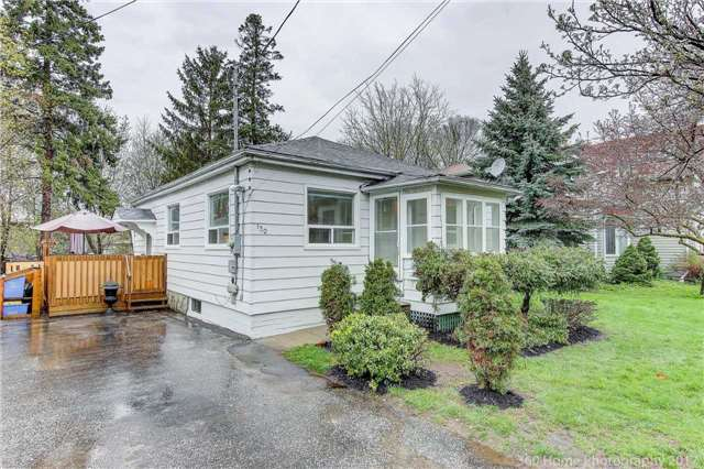 Detached at 130 Pleasantview Ave, Newmarket, Ontario. Image 1