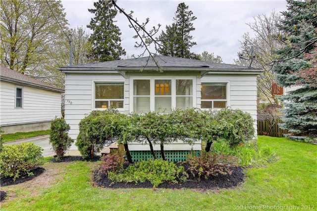 Detached at 130 Pleasantview Ave, Newmarket, Ontario. Image 12