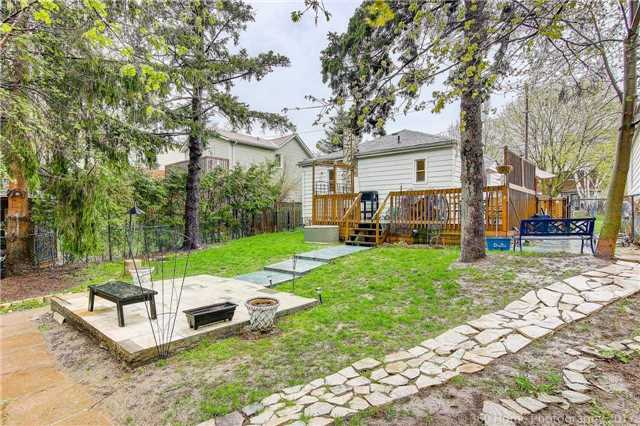 Detached at 130 Pleasantview Ave, Newmarket, Ontario. Image 15