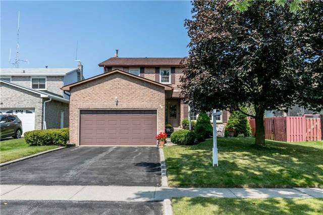 Detached at 36 Manning Cres, Newmarket, Ontario. Image 1