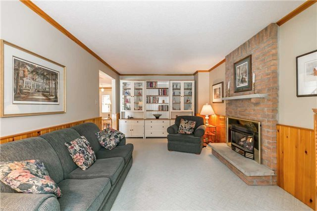 Detached at 36 Manning Cres, Newmarket, Ontario. Image 15
