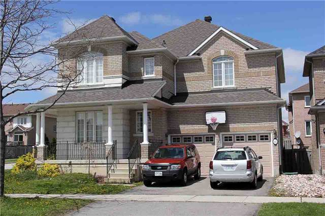 Detached at 145 Gemini Cres, Richmond Hill, Ontario. Image 1