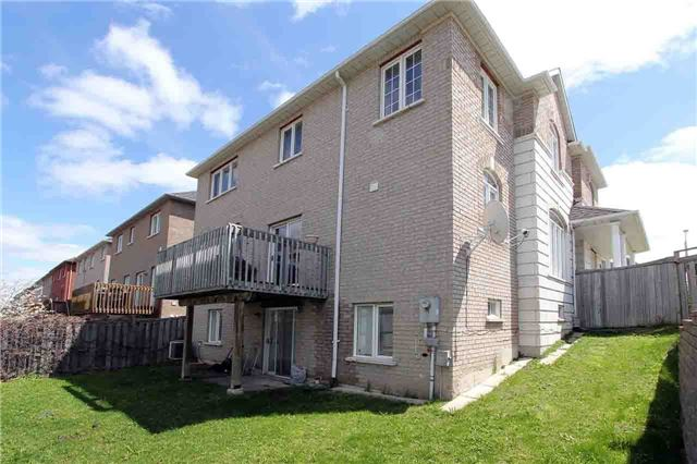 Detached at 145 Gemini Cres, Richmond Hill, Ontario. Image 14