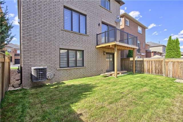 Detached at 15 Redtail Dr, Vaughan, Ontario. Image 13