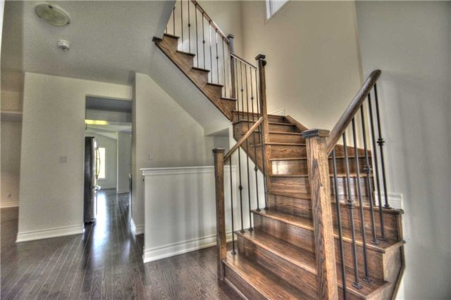 Detached at 79 Briarfield Rd, East Gwillimbury, Ontario. Image 13