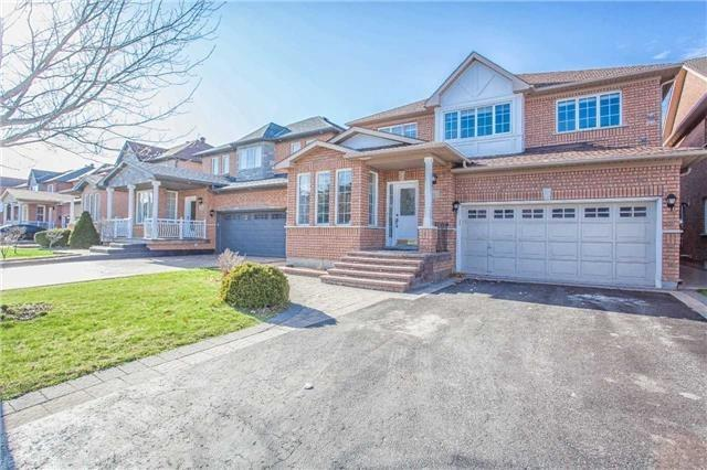 Detached at 18 River Forest St, Markham, Ontario. Image 1
