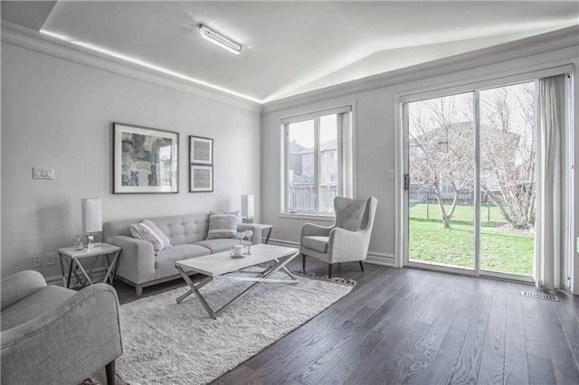 Detached at 18 River Forest St, Markham, Ontario. Image 15