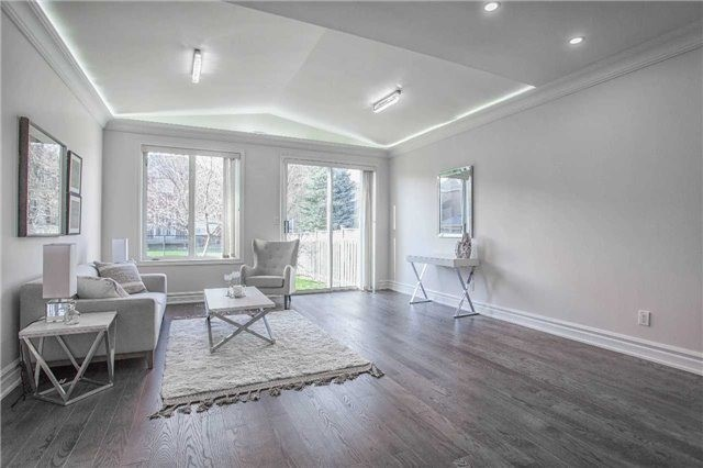 Detached at 18 River Forest St, Markham, Ontario. Image 17