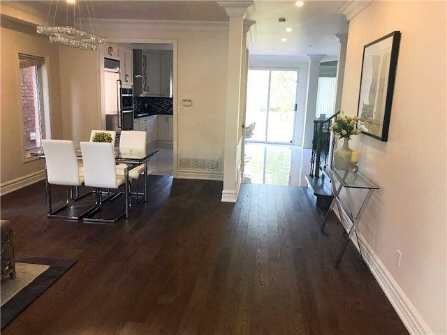 Detached at 18 River Forest St, Markham, Ontario. Image 19