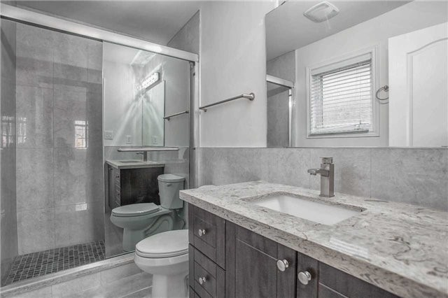 Detached at 18 River Forest St, Markham, Ontario. Image 7
