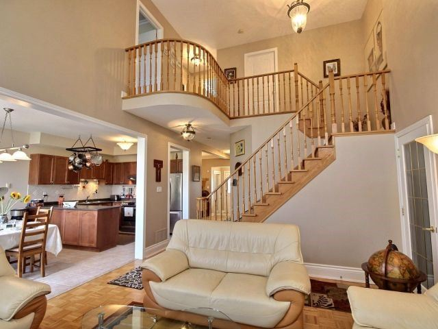 Detached at 96 Montebello Ave, Vaughan, Ontario. Image 15