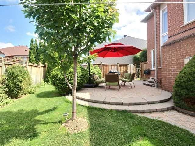 Detached at 96 Montebello Ave, Vaughan, Ontario. Image 10