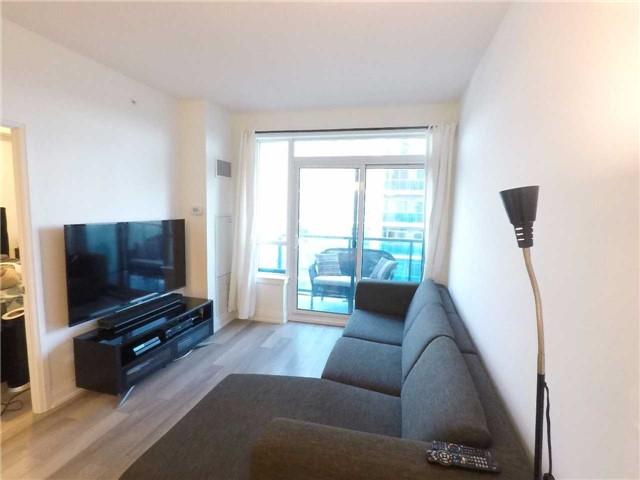 Condo Apartment at 7165 Yonge St, Unit 1403, Markham, Ontario. Image 12