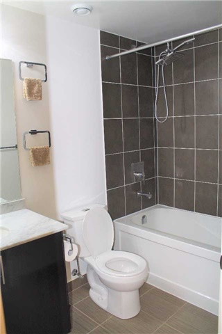 Condo Apartment at 7165 Yonge St, Unit 1403, Markham, Ontario. Image 18