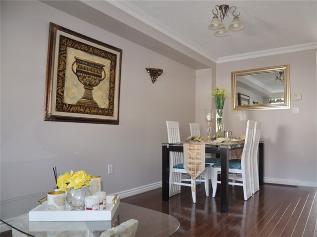 Townhouse at 115 Selkirk Dr, Richmond Hill, Ontario. Image 7