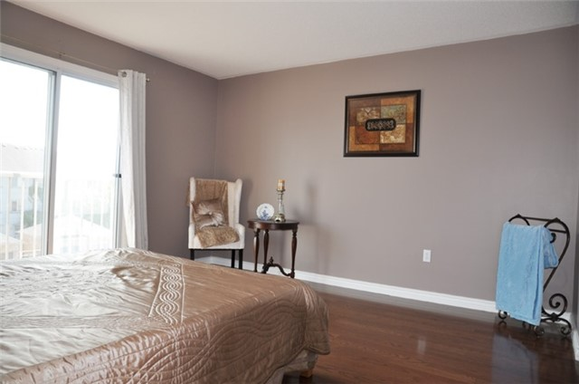 Townhouse at 115 Selkirk Dr, Richmond Hill, Ontario. Image 11
