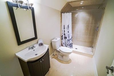 Townhouse at 34 Millhouse Crt, Vaughan, Ontario. Image 11